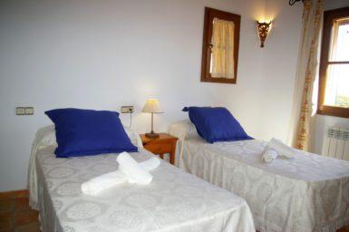 Schlafzimmer mit 2 Einzelbetten im OG