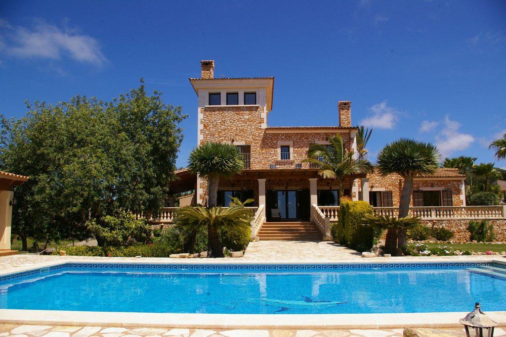 Finca Can Palleta mit großen Pool